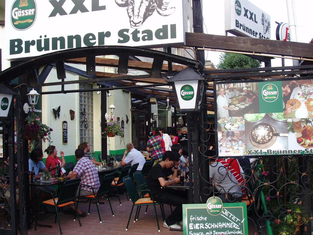 Brünner Stadl Xxl Restaurant Und Gasthaus In Wien 21 Bezirk